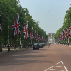 The Regal Mall and Buckingham Palace